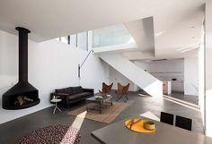 Geometric House with Several Points of View par les architectes du bureau Cadaval & Solà-Morales