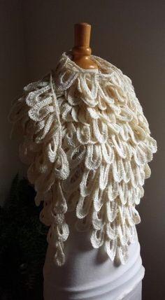 TUTO EN VIDÉO : LE CHÂLE PLUME DE «MELISSA ET MELINA CROCHET! | «♥ Les Petites Créations de Rosalie ♥ Bonnet Crochet, Crochet Shawl, Blog Crochet, Rosalie, Types Of Yarn, Melina, Yarn Crafts, Creations, Detail