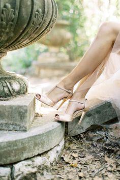 Rose Wedding, Wedding Shoes, Wedding Dresses, Feminine Photography, Love Story Wedding, Wedding Events, Weddings, Signature Style, Luxury Wedding
