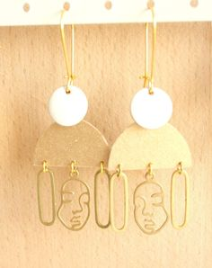 Longues boucles d'oreilles portrait de femme   Etsy Japanese Paper, Organza Bags, Woman Face, Washi, Drop Earrings, The Originals, Pendant, Gold, Etsy