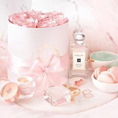 New bedroom inspo girly pink ideas Pretty Pastel, Pastel Pink, Blush Pink, Princess Aesthetic, Pink Aesthetic, Aesthetic Vintage, Chica Cool, Perfume, Pink Accessories