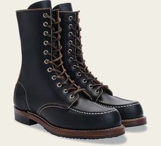 Official Red Wing Heritage site for handcrafted leather boots, footwear and accessories--all made in the USA. Tall Boots, Shoe Boots, Red Wing Moc Toe, Red Wing Boots, Shoe Company, Vintage Leather, Leather Boots, Combat Boots, Wings