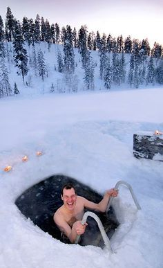 Nothing makes you feel more alive or refreshed than a dip in icy waters after roasting in the sauna! Finnish Sauna, Lapland Finland, Saunas, Thinking Day, Helsinki, The Great Outdoors, Travel Destinations, Holiday Destinations, Norway