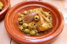 Mediterranean Diet, Pickles, Cucumber, Buffet, Deserts, Good Food, Food And Drink, Keto, Chicken