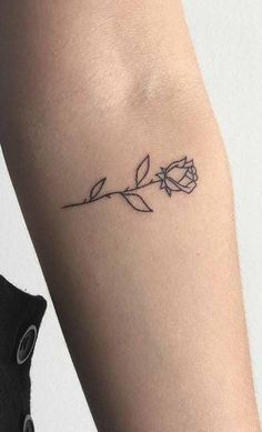 Exceptional tiny tattoos for girls are offered on our website. Have a look and y… Exceptional tiny tattoos for girls Dainty Tattoos, Delicate Tattoo, Pretty Tattoos, Beautiful Tattoos, Small Tattoos, Simple Rose Tattoo, Awesome Tattoos, Medium Tattoos, Cute Simple Tattoos