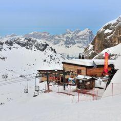 So many rifugi so many top views! #rifugiopiandeifiacconi in the #dolomiti #travel #mountains #ski #marmolada