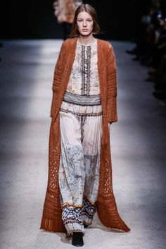 Alberta Ferretti Fall 2015 Ready-to-Wear Fashion Show