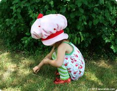 Sew Can Do: Vintage Inspired Crafts: Lil Strawberry Shortcake Hat Tutorial Strawberry Shortcake Halloween Costume, Hat Tutorial, Old School, Vintage Inspired, Dinosaur Stuffed Animal, Fun, Crafts, Inspiration, Costume Ideas