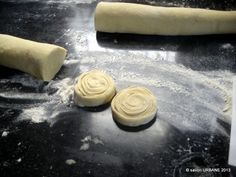 Saratele cu branza reteta strabunicii Buia | Savori Urbane Puff Pastry Recipes, Sweets Recipes, Latte, Recipies, Food, Phyllo Dough Recipes, Recipes, Essen, Meals