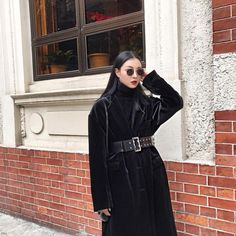 Black Ribbed Turtleneck Sweater With Flute/Bell Sleeve Dark Fashion, Love Fashion, Fashion Outfits, Womens Fashion, Korean Street Fashion, Asian Fashion, Ulzzang Fashion, Photo Instagram, Korean Outfits