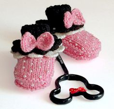 Baby booties  Minnie's Pink Booties ♡ by MiaPiccina on Etsy