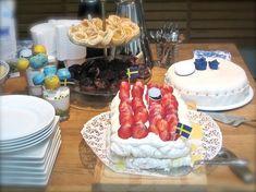 Kakor och Drömmar - Bästa jordgubbstårtan. Holidays And Events, Tart, Food And Drink, Cheese, Pie, Tarts, Torte