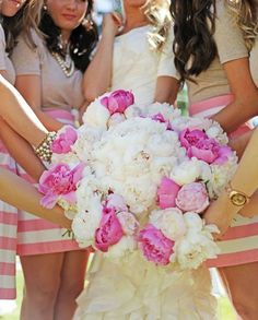 13 photos to take with your bridesmaids we ♥ this! moncheribridals.com
