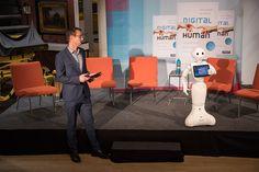 Digital human: Veränderungsexperte Kai Anderson interviewte Roboter Pepper
