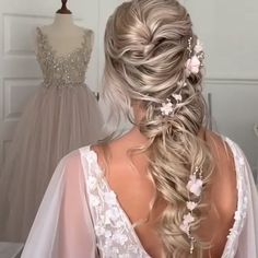 Ulyana Aster Long Bridal Hairstyles for Wedding -  - diy wedding hairstyle tutorial #wedding #weddingideas #weddinghairstyles