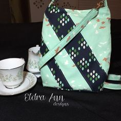 Custom Ramona crossbody bag. This is a simple crossbody pouch with a zipper closure. Can be customized with any color or design combination by Eldra Ann. Pattern from Swoon.