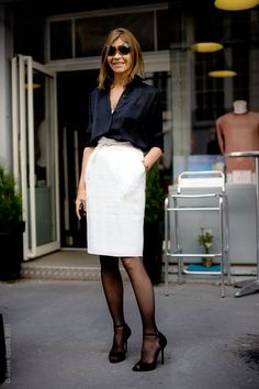 This look... one of my favourite combinations: simple shirt and pencil skirt