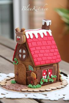 BlauKitchen - gingerbread house how to which i could understand the language its in bc this one is so cute!