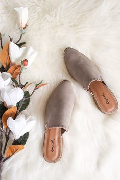 Walk This Way Mules in Taupe - Prim and Pop Walk This Way Mules in Taupe Women's Mules, Mules Shoes, Flat Mules Outfit, Shoes Sneakers, Clarks, Build A Wardrobe, Shoes Photo, Walk This Way, Baskets