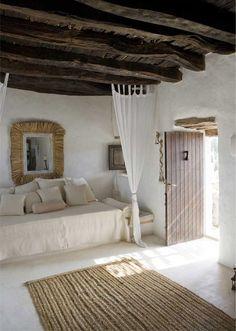 Mediterranean-Style-Bedroom | Decor Ideas