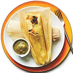 Black Bean and Sweet Potato Tamales with Tomatillo Sauce - 100 Vegetarian Meals - Cooking Light Mobile Mexican Food Recipes, Vegetarian Recipes, Cooking Recipes, Healthy Recipes, Ethnic Recipes, Vegetarian Mexican, Mexican Cooking, Vegetarian Lunch, Ww Recipes