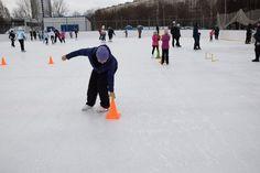 8 января 2018 года на катке с искусственным льдом по адресу Юрловский проезд. вл. 6 состоялись соревнования среди спортивных семей округа.