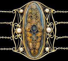 Art Nouveau choker: gold, enamel and pearl. Hugo Lundstedt, 1915.