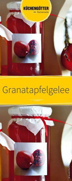 Selbstgemachtes Granatapfelgelee ist einfach klasse! Dieses leckere und einfache Rezept eignet sich perfekt für ein hausgemachtes Weihnachtsgeschenk.