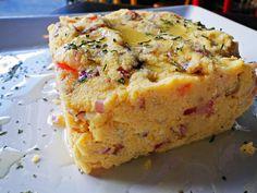 Cuscuz maragojipano: com carne de fumeiro, farinha de mandioca, cebola e cheiro verde