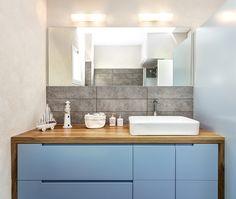modern bathroom in TLV designed by Avital Taran Cohen. photo by: Nadav peket Bathroom Vanity, Modern Bathroom, House Design, New Homes, Bathroom Kids, Bathroom Shower, Bathroom Design, Toilet Design, Bathroom