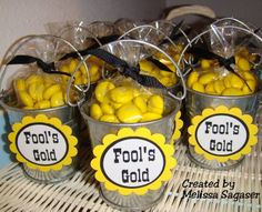 Love these fools gold buckets, great for a kids western theme birthday!