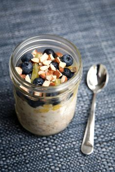 Pin for Later: 22 Breakfast Recipes That Can Help You Lose Weight Flat-Belly Overnight Oats