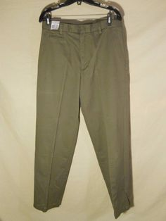 NEW NWT Dockers Men's Slacks Pants Relaxed Fit Flat Front Flat Front-32x32 #DOCKERS #KhakisChinos