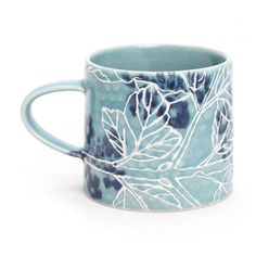 Brenda Quinn - The Clay Studio Pottery Mugs, Ceramic Pottery, Pottery Art, Thrown Pottery, Slab Pottery, Pottery Studio, Stars Disney, Mug Design, Sculptures Céramiques