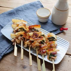 お酒がススむ旨辛味!長芋と豚バラ肉の串焼き Bbq Skewers, Cooking, Tableware, Kitchen, Recipes, Drink, Food, Dinnerware, Beverage