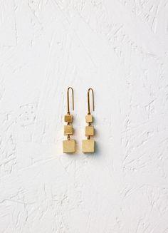 Squares Cube Bracelet in Brass - セリーヌについて
