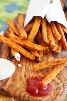 Crispy Baked Sweet Potato Fries – Slide a batch of easy, super crispy baked sweet potato fries alongside your next sandwich or burger! | thecomfortofcooking.com