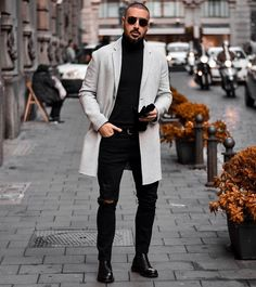 Black Turtleneck Outfit Idea how to wear black sunglasses with a black turtleneck for men Black Turtleneck Outfit. Here is Black Turtleneck Outfit Idea for you. Black Turtleneck Outfit black turtleneck and blue jeans turtleneck outfit black. Urban Fashion, Daily Fashion, Street Fashion, Stylish Men, Stylish Outfits, Men Casual, Swag Outfits, Black Turtleneck Outfit, Mens Fashion Week