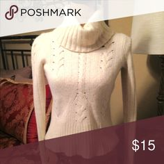 Ann Taylor Wool Sweater Very nice, heavy wool blend. Size medium but would fit a small. Ann Taylor Sweaters Cowl & Turtlenecks