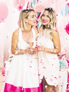 The official site of Lauren Conrad is a VIP Pass. Here you will get insider knowledge on the latest beauty and fashion trends from Lauren Conrad. Lauren Conrad Celebrate, Foto Pose, Lingerie, Poses, Celebs, Celebrities, Celebrity Weddings, Girl Birthday, 21st Birthday