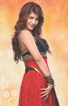 India Beauty, Asian Beauty, Shruti Hassan Wallpapers, Stylish Girls Photos, Beautiful Girl Indian, Beautiful Women, Beautiful Bollywood Actress, Aesthetic Movies, South Indian Actress
