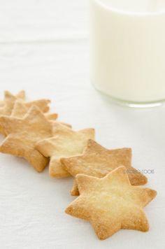 skoraq cooks: Butter cookies http://www.skoraczek.blogspot.com/2014/11/maslane-ciasteczka-butter-cookies.html