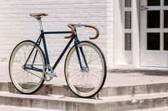 Visit State Bicycle Co. to see our Rutherford bike and see all Fixie & Fixed Gear Bikes. Customize your bike today or find a location near you. A bike like no other.
