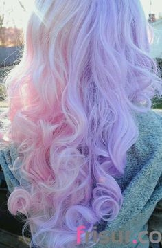 23. Curly Pastell Rosa und Lila Frisur