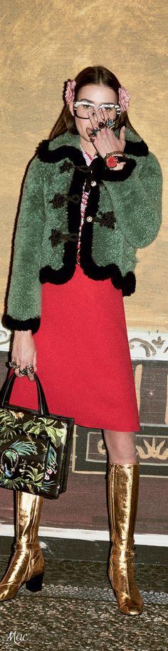 Pre-Fall 2016 Gucci Требуются эротические модели для эскорт работы , с готовой фото-сессий в стиле PLAYBOY. Работа в Европе. Заработки высокие. Рейтинговое европейское агентво. Фото на кастинг присылайте на почту cdc.manager@gmail.com http://escort-journal.com/
