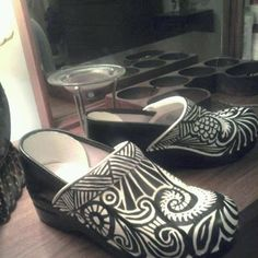 My new Zentangle shoes...2 hours. They started all white. Angelus Leather Paint!