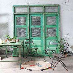 This is a wonderful large-sized bright-green traditional triple-door wall panel recently sourced by Scaramanga. Vintage Doors, Antique Doors, Wooden Door Design, Wooden Doors, Traditional Doors, Traditional House, Metal Grill, Interior Garden, Door Wall