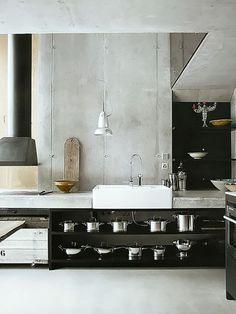 Ideas kitchen interior design concrete open shelving for 2019 Kitchen Corner, New Kitchen, Kitchen Black, Rustic Kitchen, Earthy Kitchen, Kitchen Decor, Awesome Kitchen, Beautiful Kitchen, Kitchen Dining