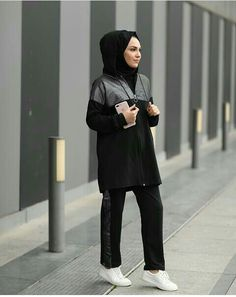 Modest Fashion Hijab, Muslim Fashion, Fashion Outfits, Sporty Look, Sporty Style, Sports Hijab, Sport Outfits, Casual Outfits, Cute Dresses For Party
