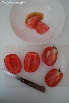 Food for thought: Ντοματοκεφτέδες Σαντορίνης Blog, Blogging